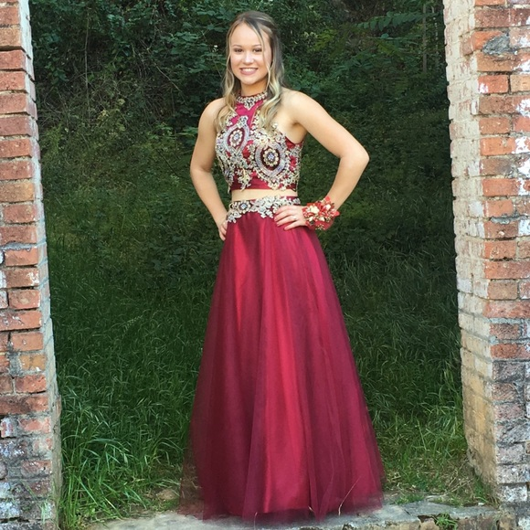 c640e27b4d4a Maroon & gold 2 piece prom dress. M_5c3ae2c0aa8770b38c5145d3